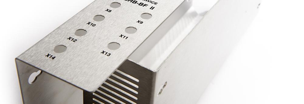 Vervaardigen van behuizingen (CNC frezen, CNC kanten, slijpen, hoogglanzend blank anodiseren en bedrukken)